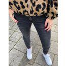 Yentl | Jeans Verwassen Zwart PRE-ORDER 03-11